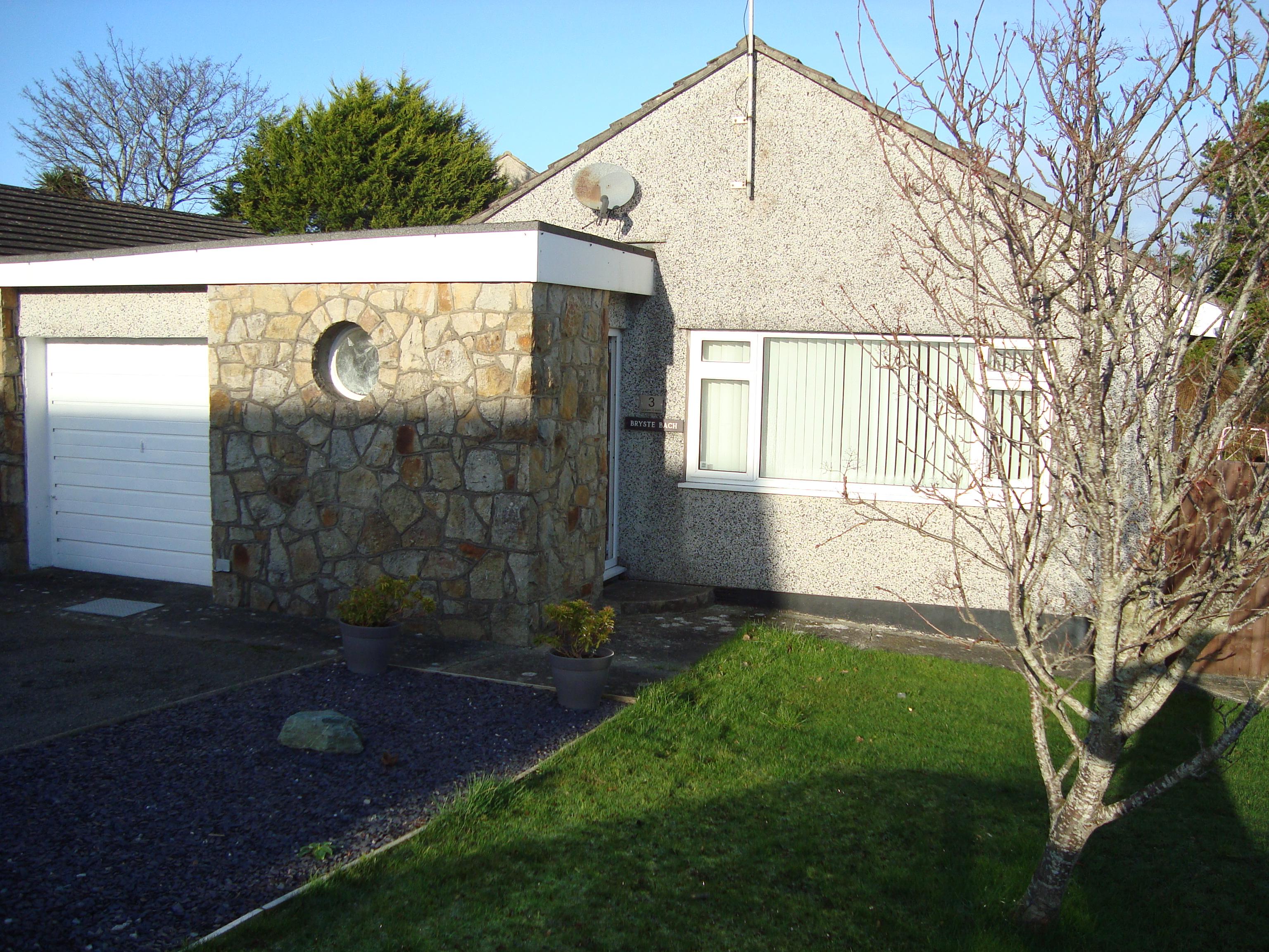 Gorwel Estate, Amlwch, Anglesey. LL68 9EU